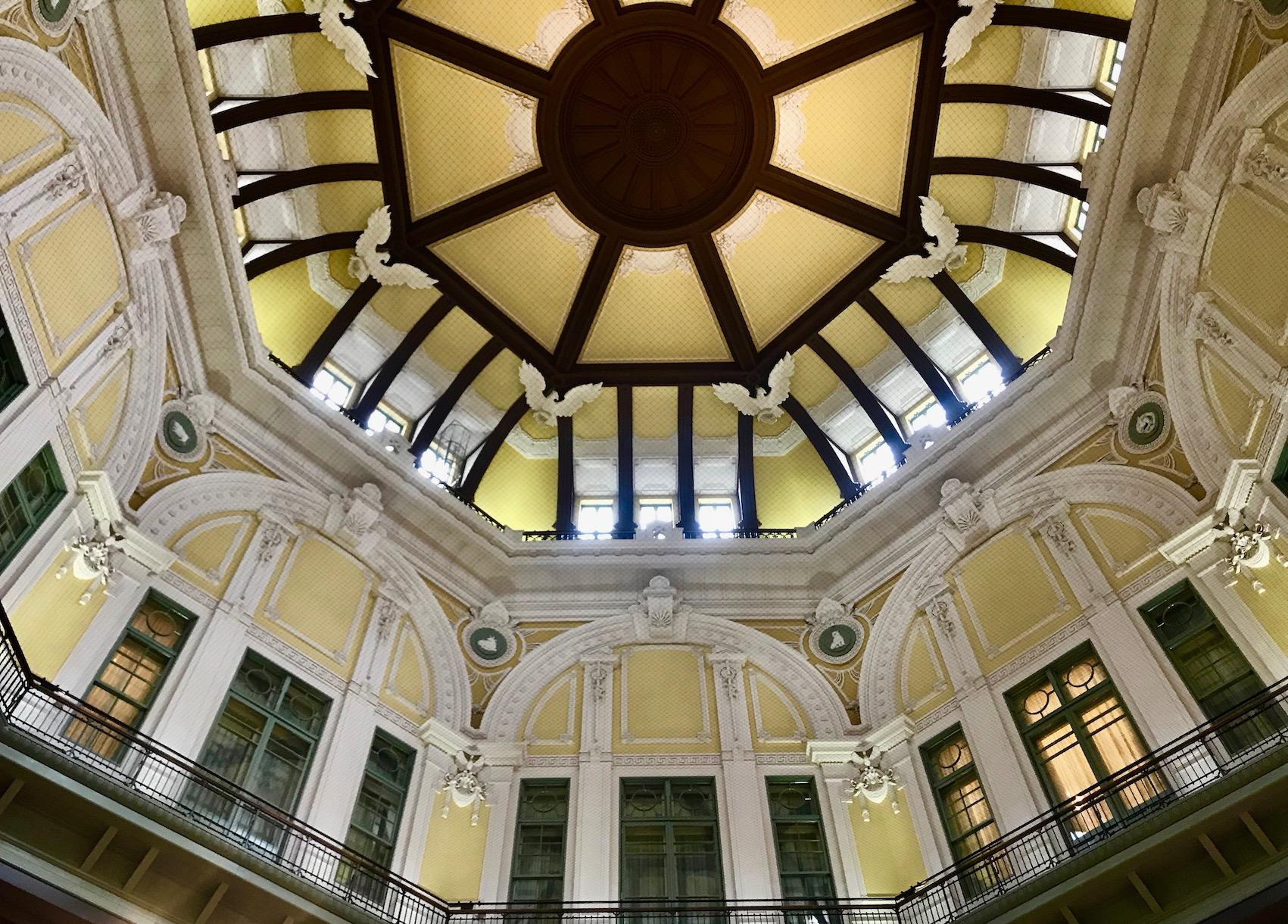 Domed ceiling Marunouchi Gate Tokyo Station.