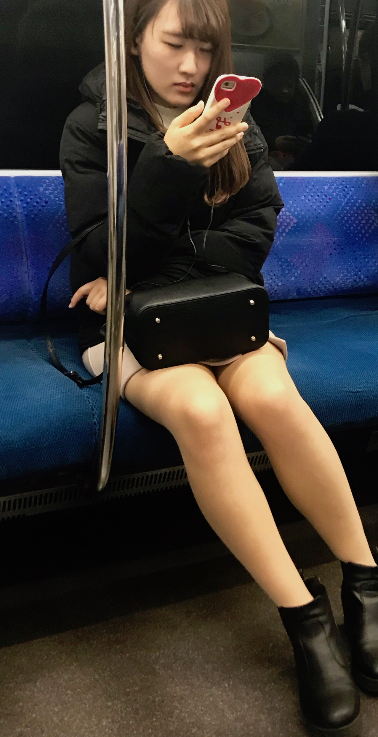 How To Ride The Tokyo Subway.