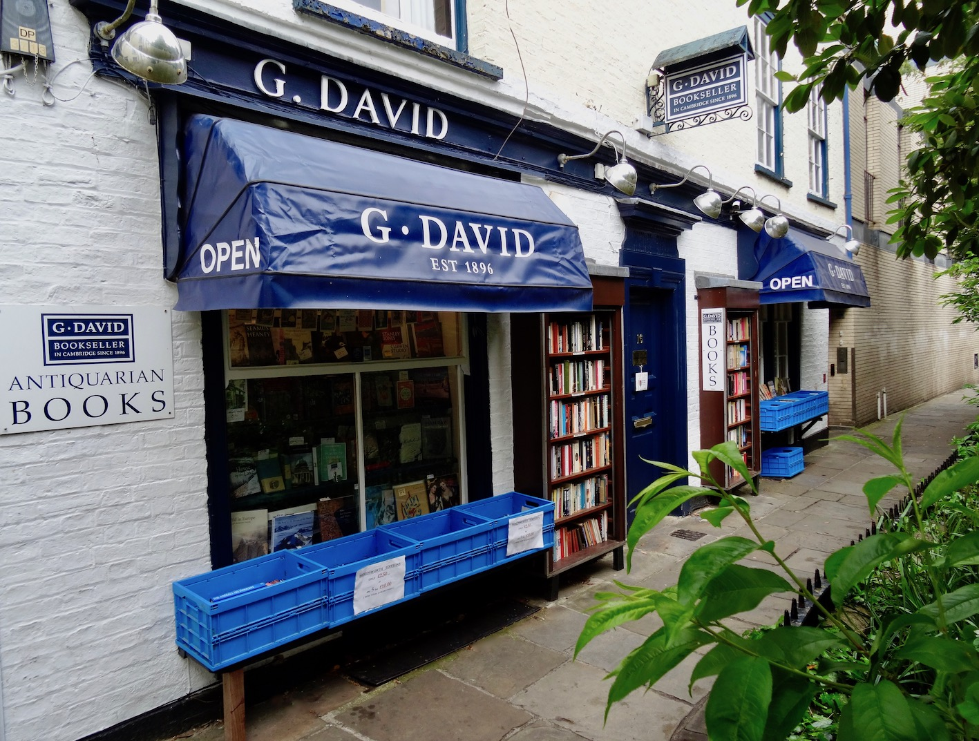 G. David Bookseller Cambridge England.