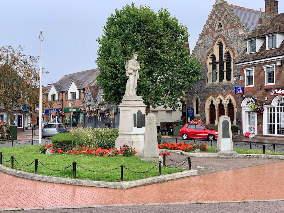 War Memorial Junction of The Broadway and High Street Chesham.