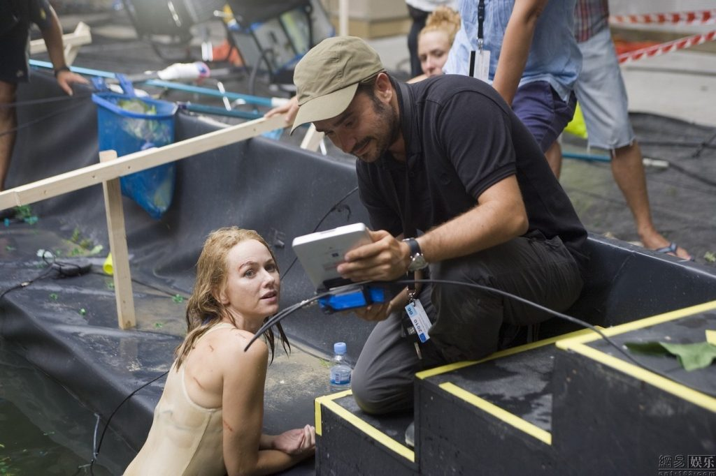 J.A. Bayona and Naomi Watts The Impossible.
