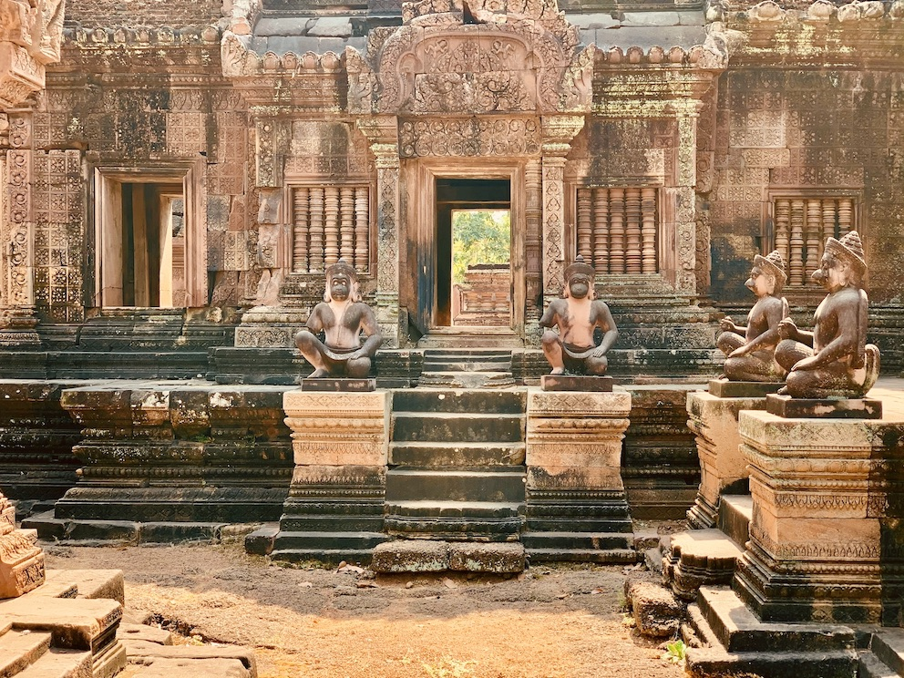 Angkor Temples Travel Guide.