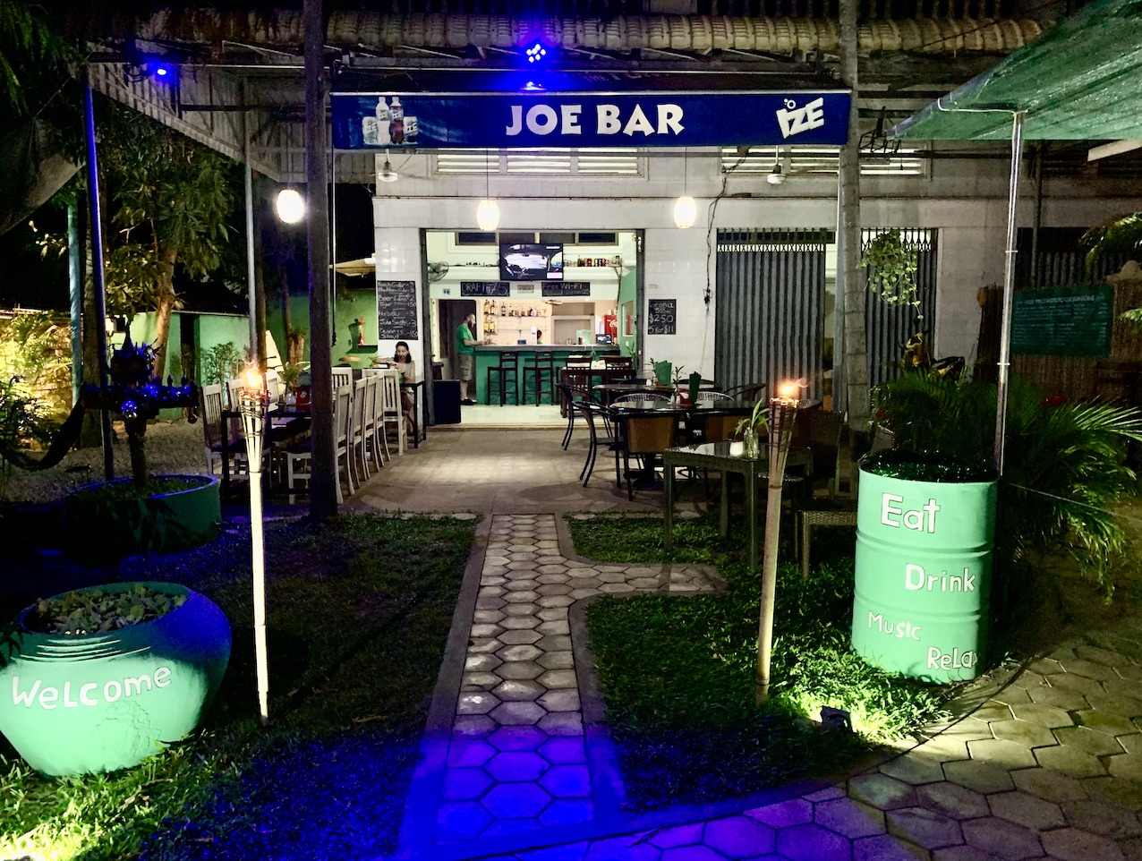 Joe Bar Garage and Grill Siem Reap