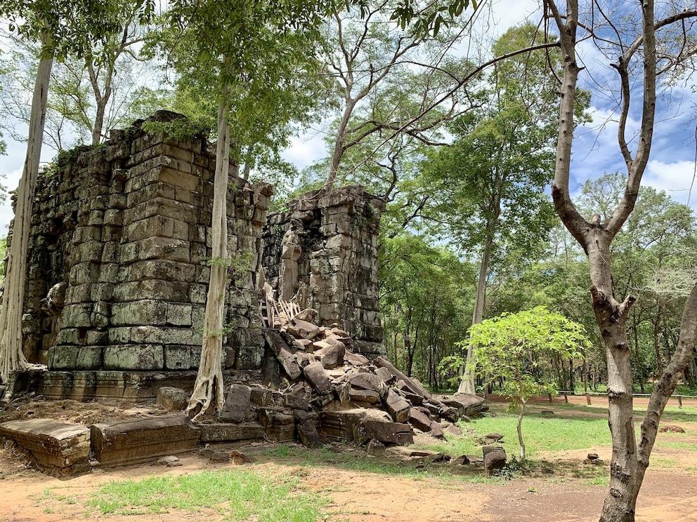 Prasat Linga 2 Temple Koh Ker.