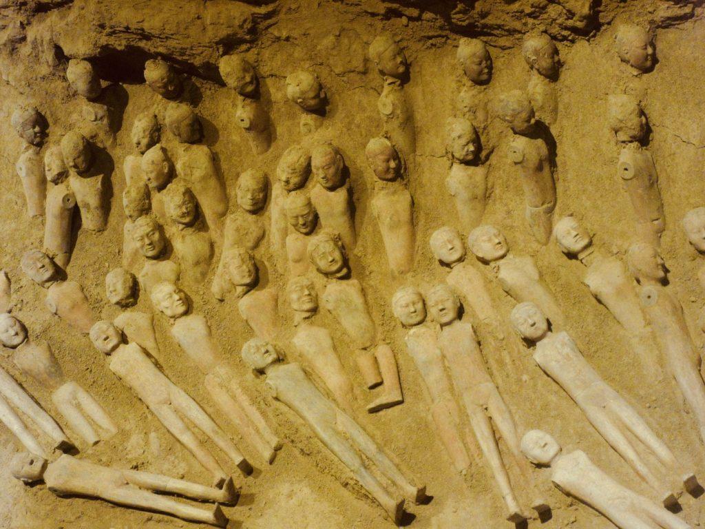 Tomb of Emperor Jingdi Xian.