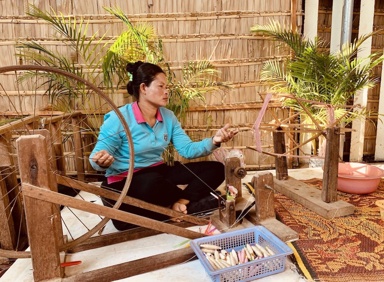 Lotus spinning Siem Reap.