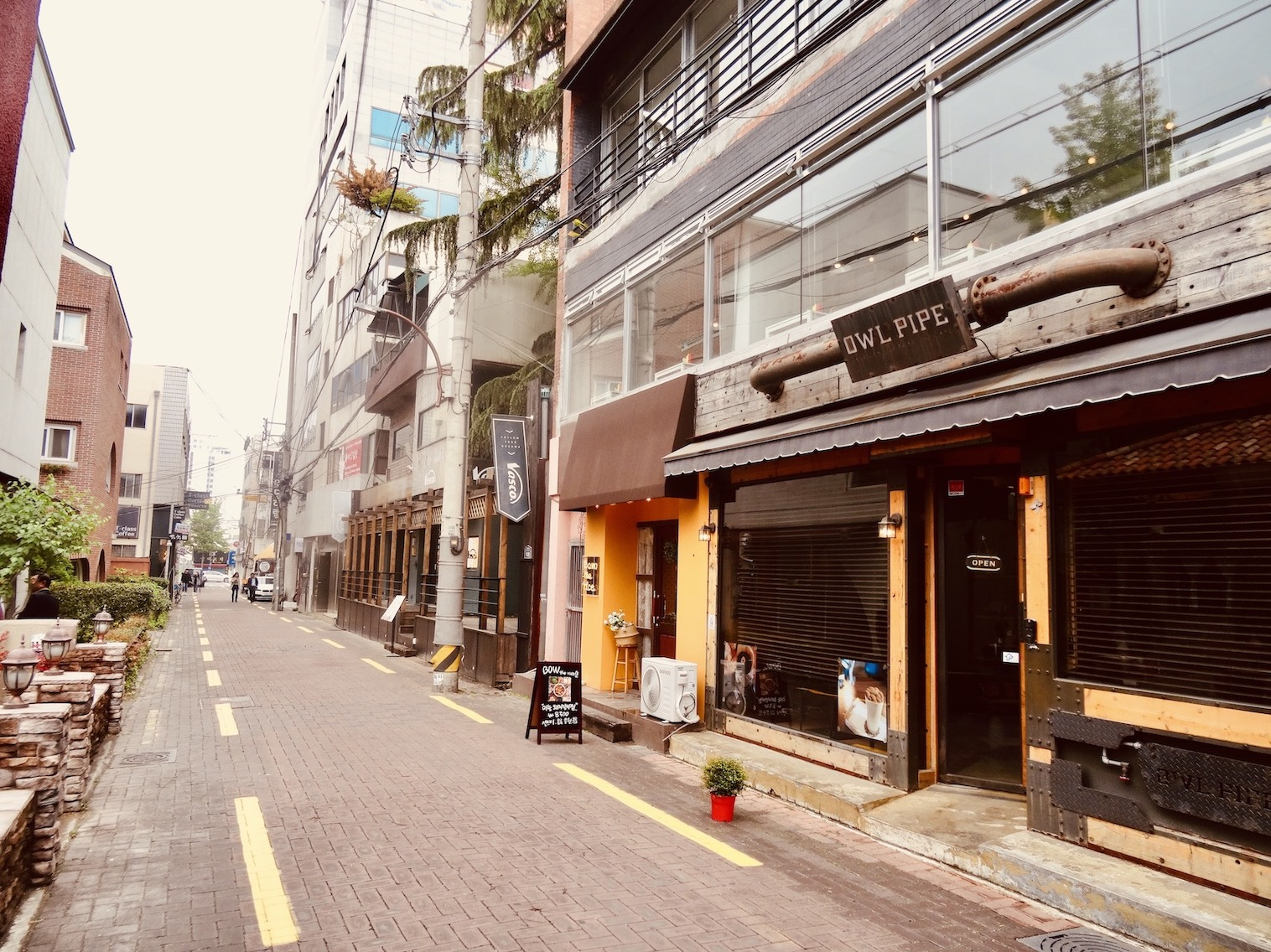 Dongseongno Cafe Alley.