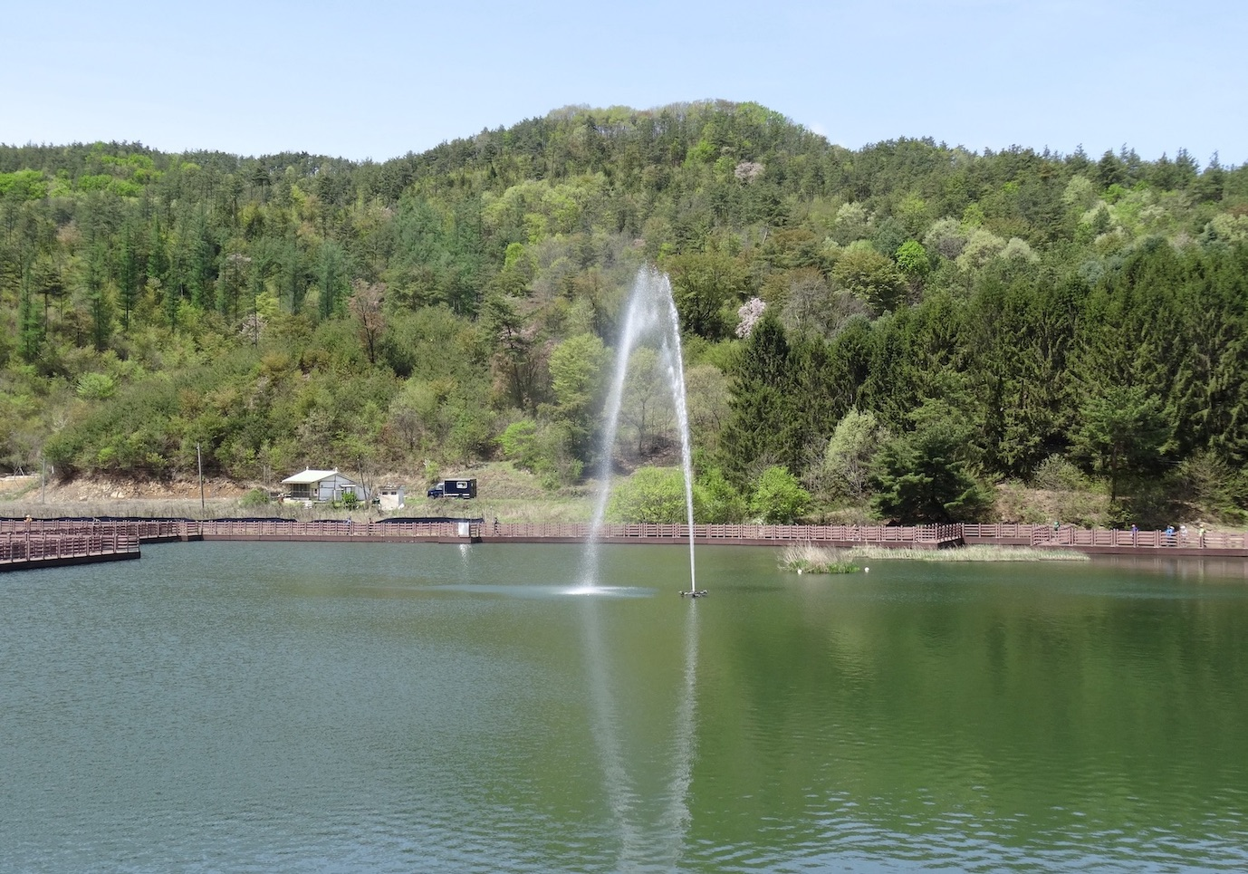 Reservoir Horse Ear Mountain.