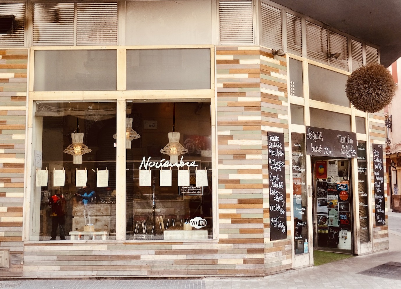 Cafe Noviembre Where to Eat and drink Malaga.