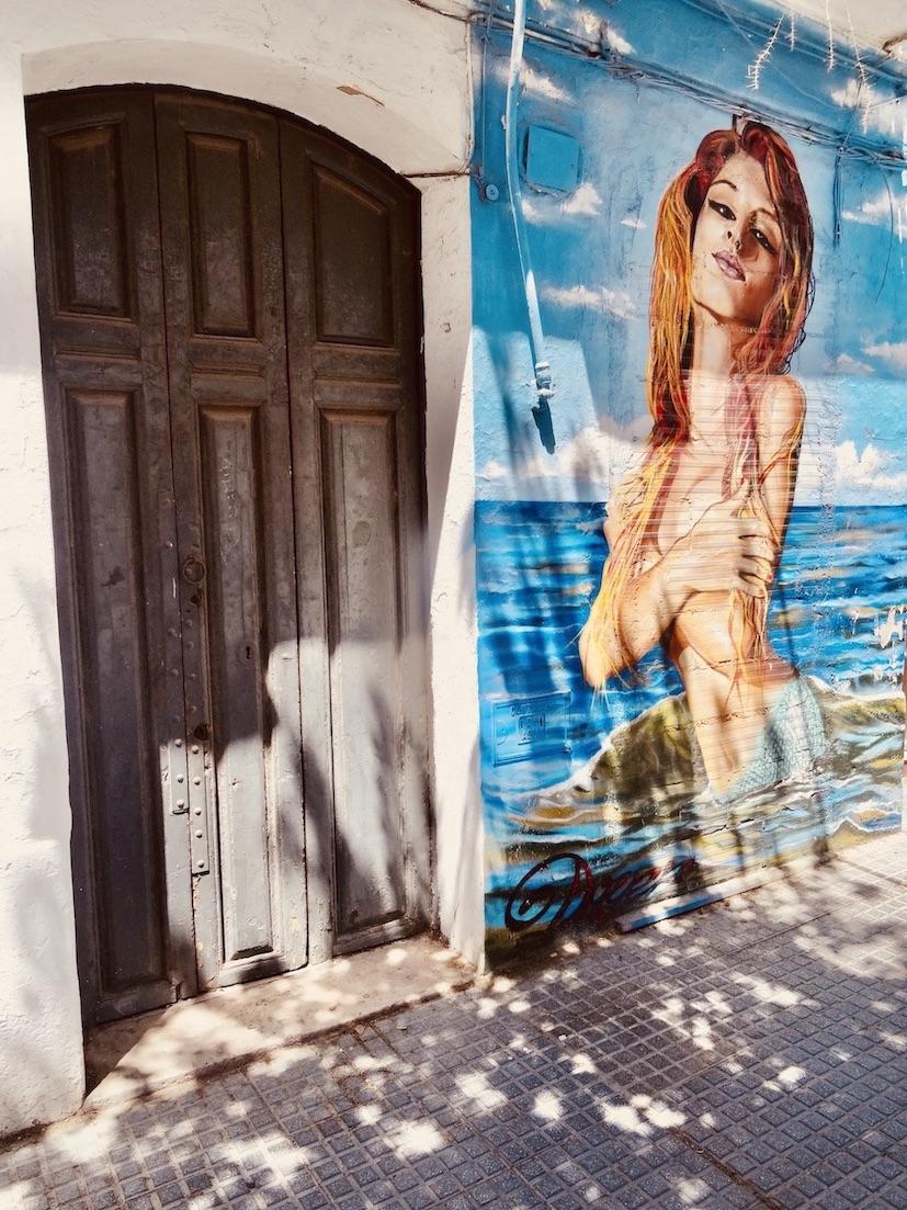 Mermaid graffiti Malaga.