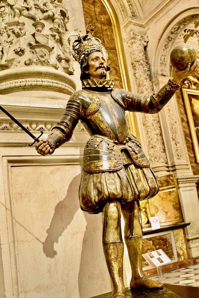 Sculpture of King Ferdinand III Seville.