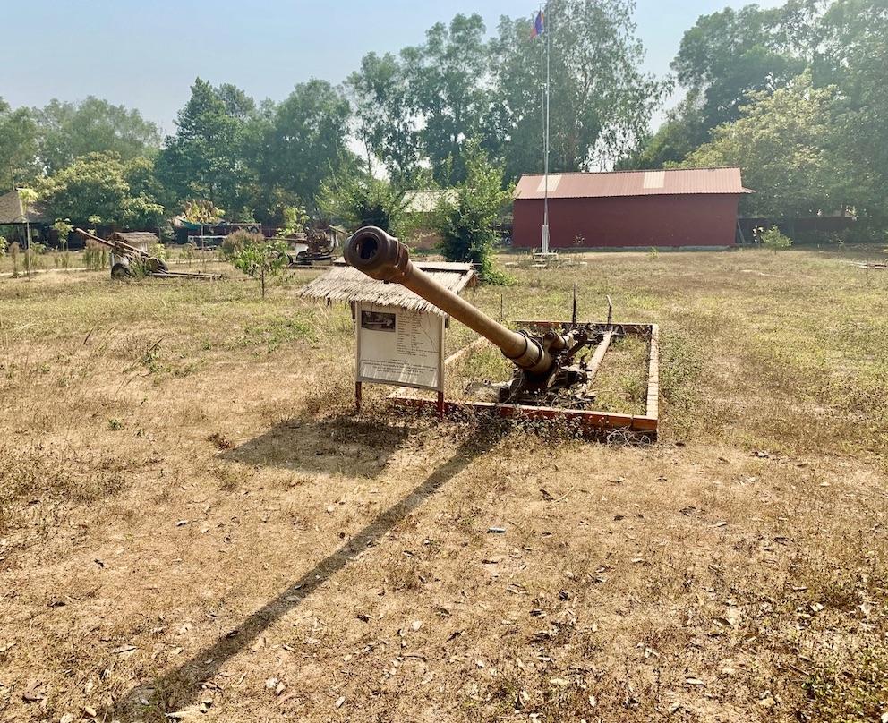 Artillery gun War Remnant Museum Siem Reap.