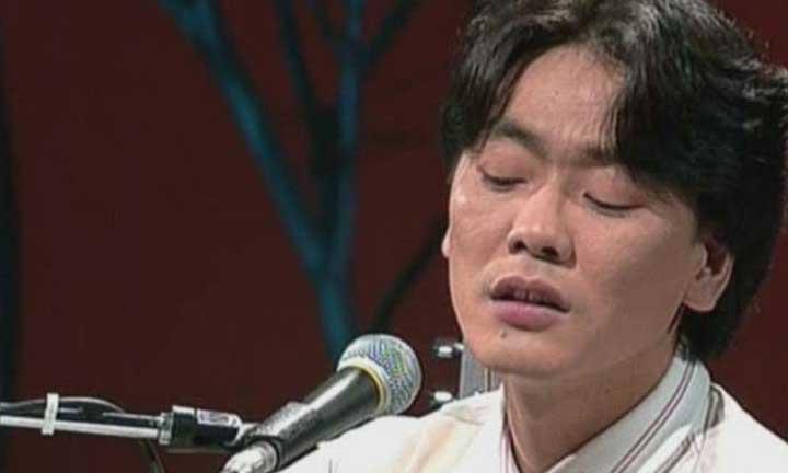 Kim Kwang-seok South Korean singer.