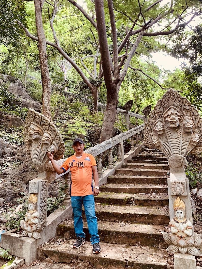 Phnom Chhngok Cave Temple in Kampot