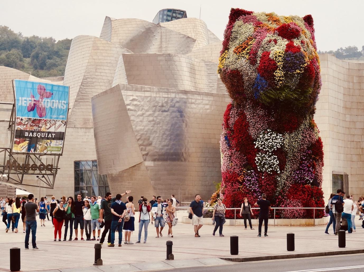 Puppy flower sculpture Bilbao.