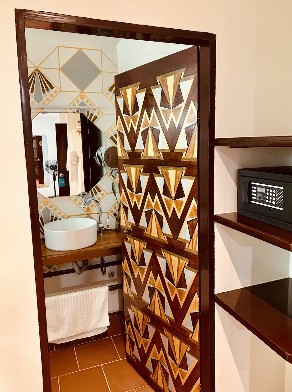 Bathroom Hotel Old Cinema.
