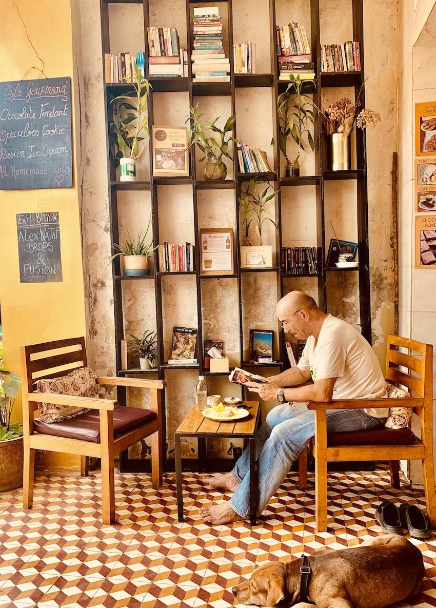 Bookish Bazaar Cafe Kampot.