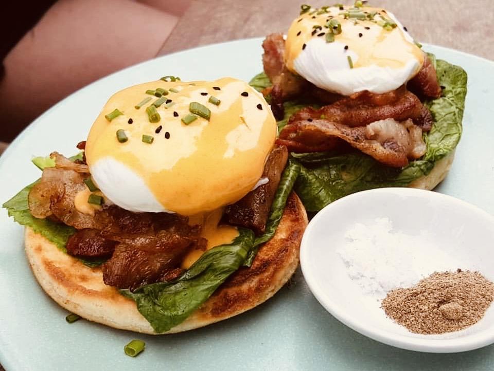 Eggs Benedict Cafe Espresso Kampot