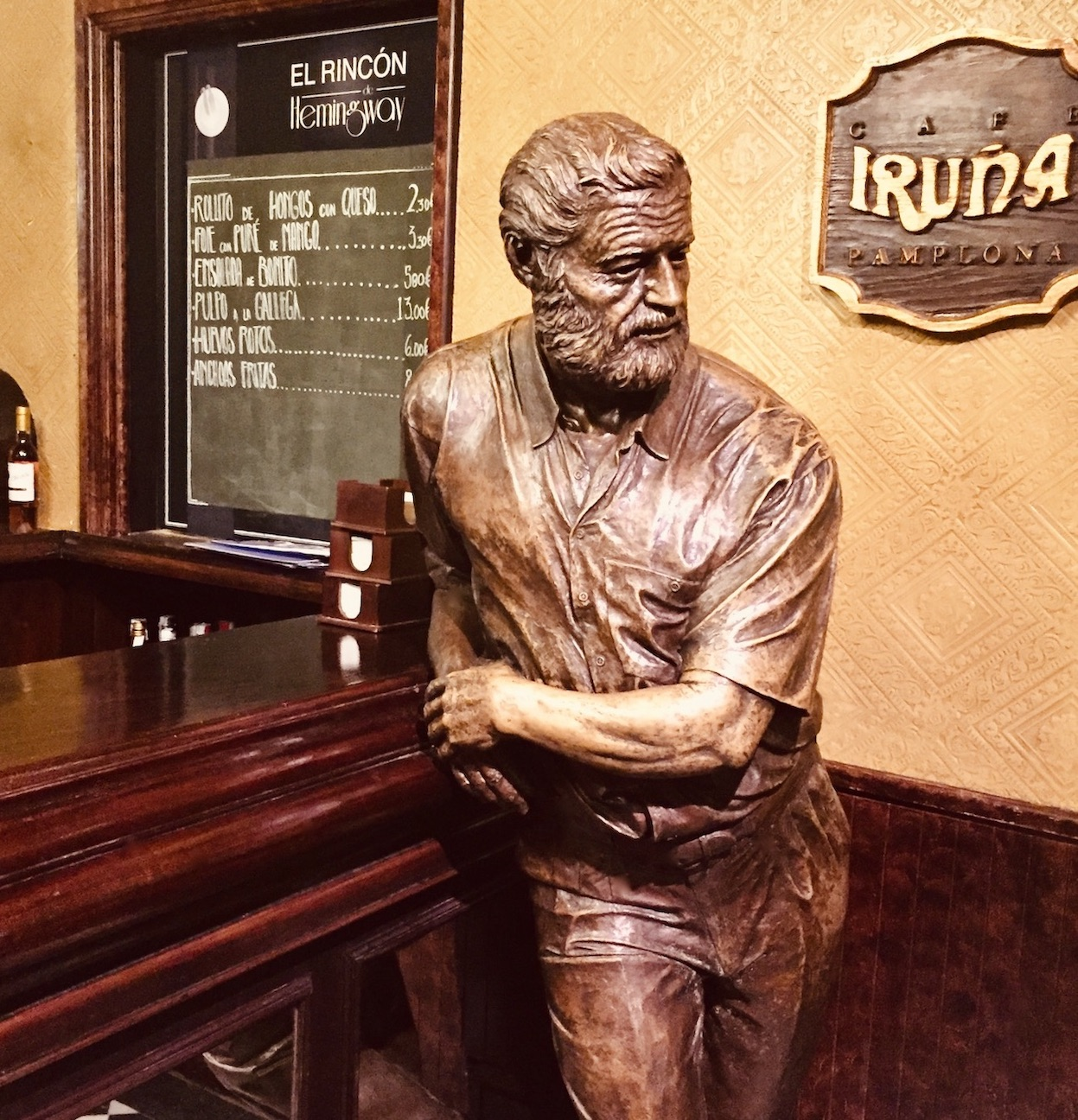 Hemingway Statue Cafe Iruna.