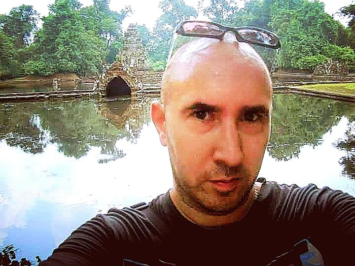 Alan Green Kool Kampot.