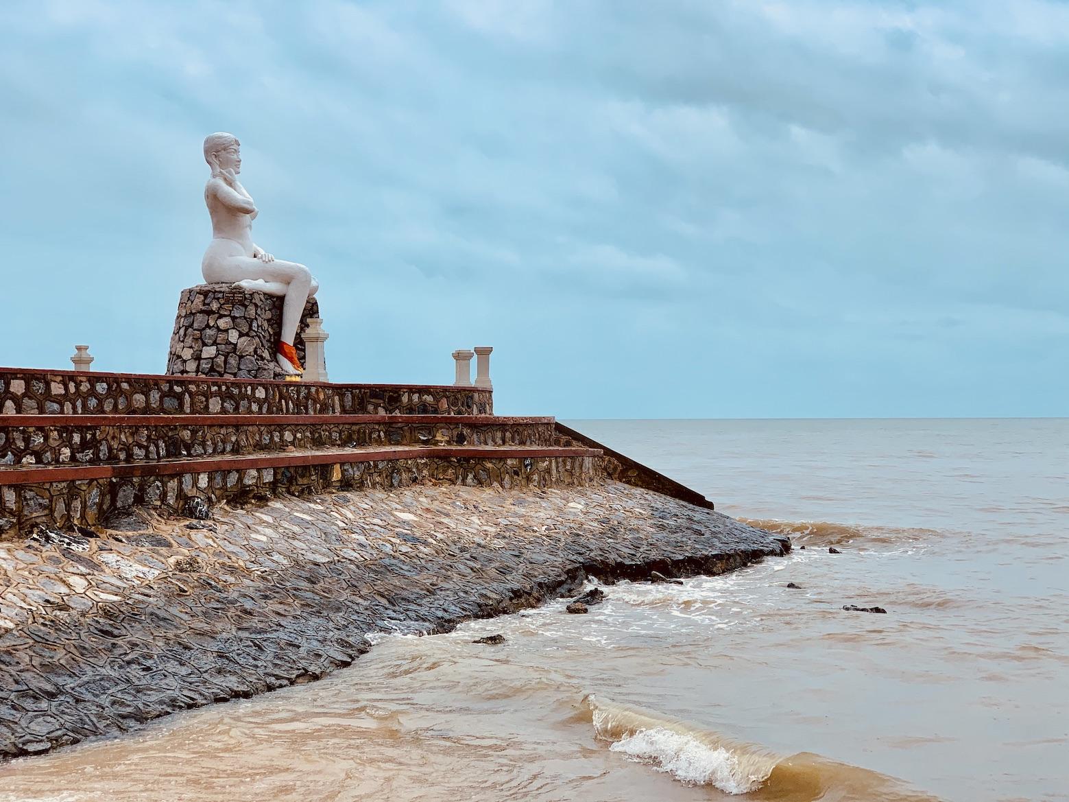 Kep Lady statue Yeay Mao.