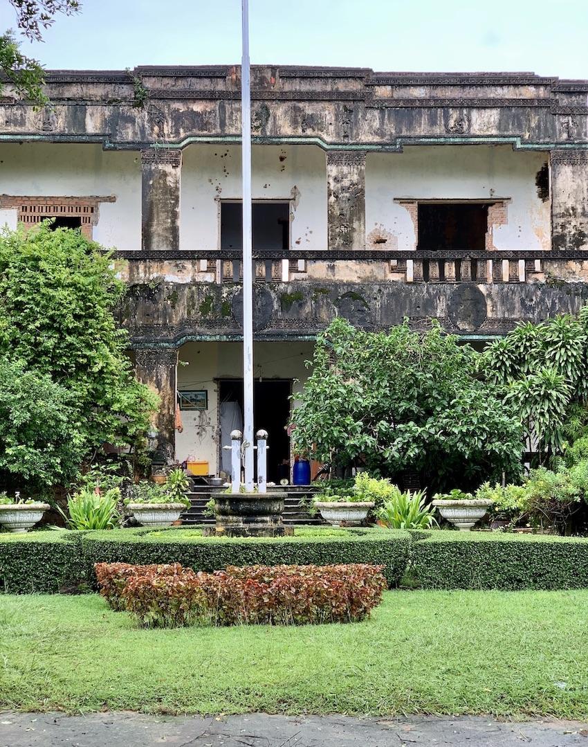 Keps abandoned villas.