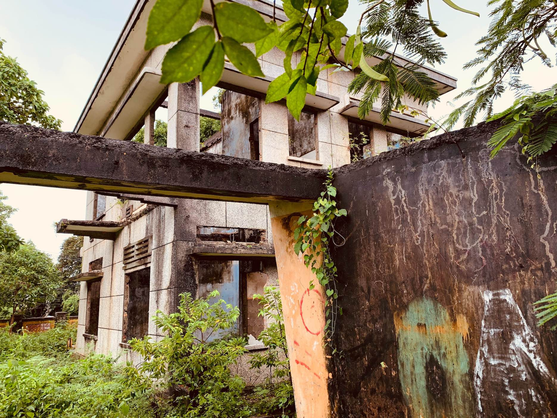 The abandoned villas of Kep.