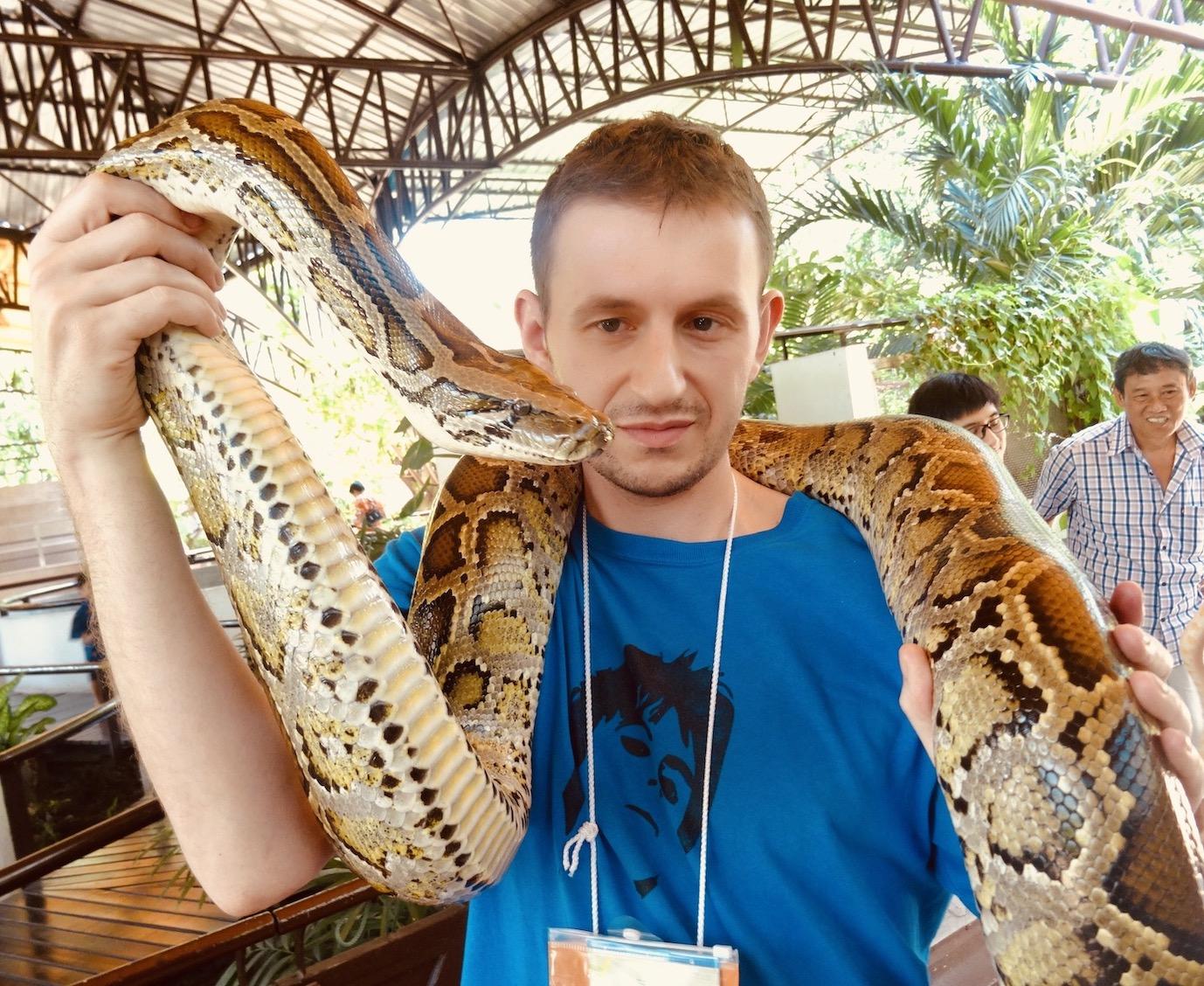 Visit Thailand Bangkok Snake Farm.