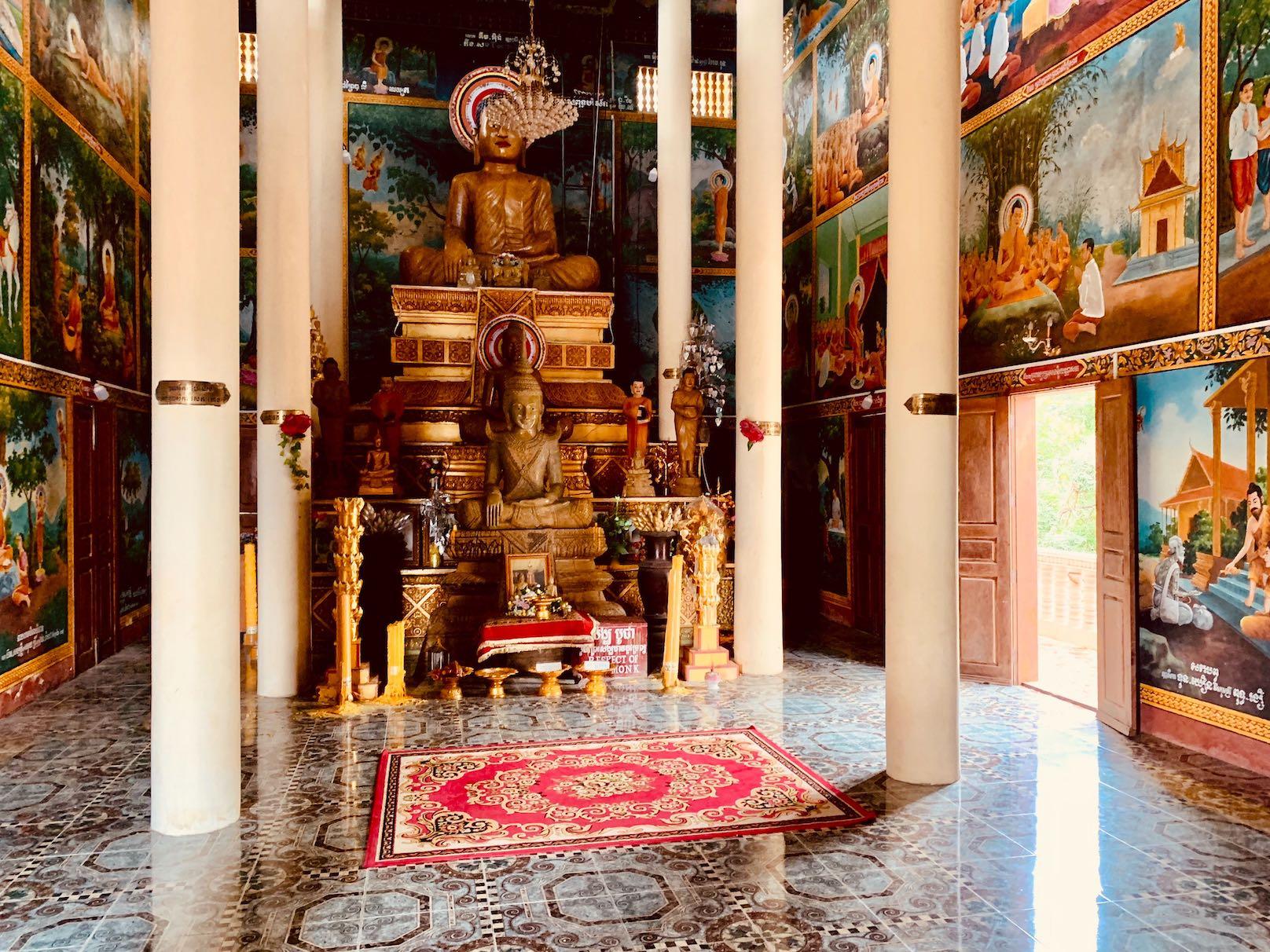 Inside Samathi Pagoda.
