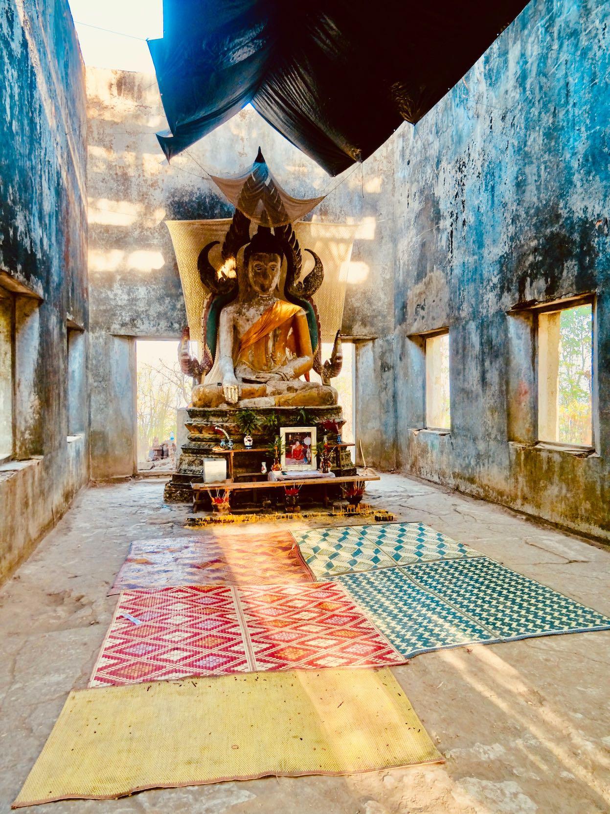 Inside Wat Somdet Gao.