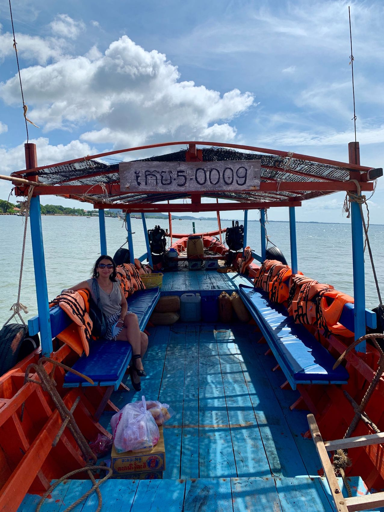 Private boat tour Rabbit Island Cambodia.