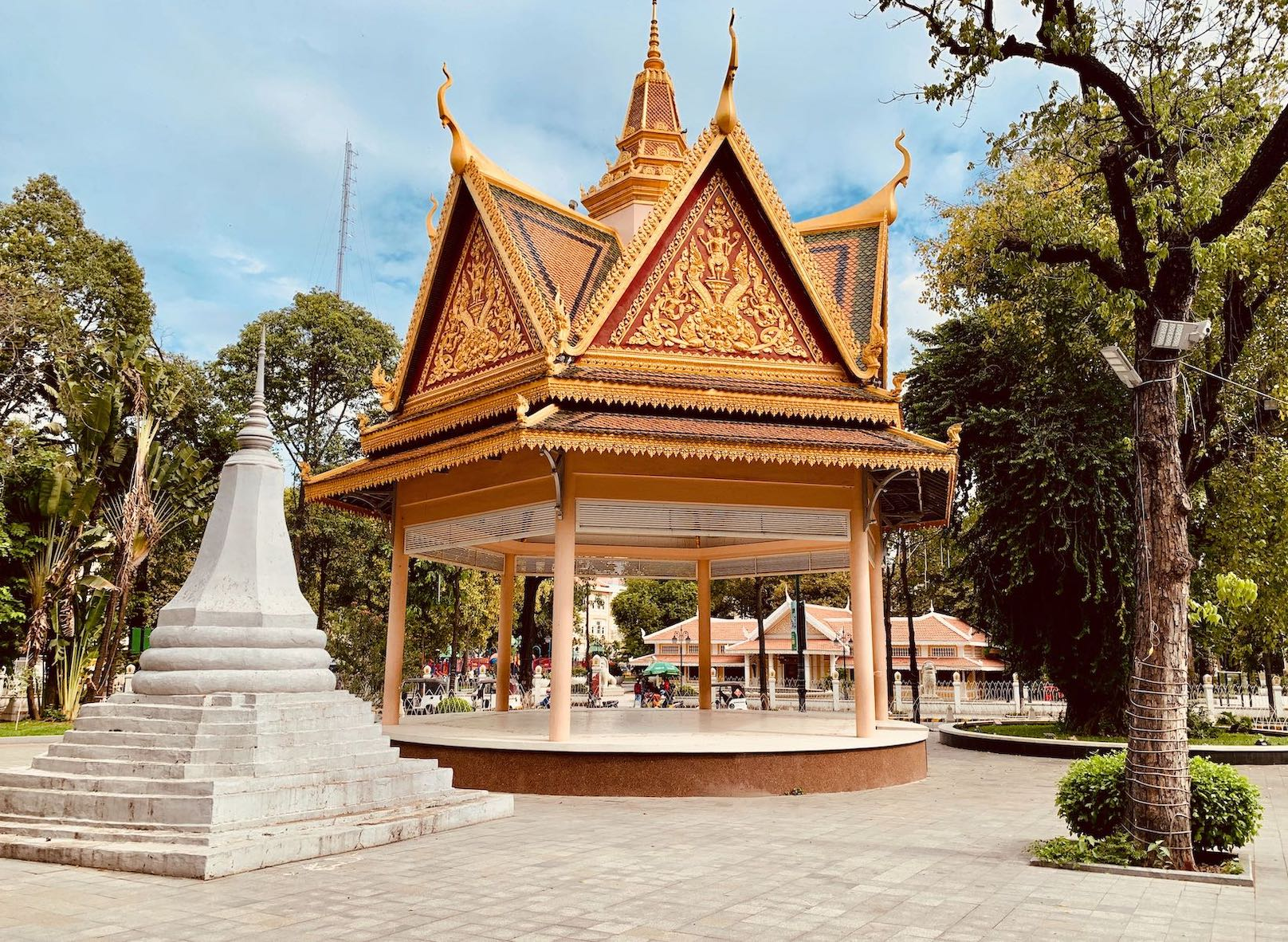 Bandstand Wat Phnom.
