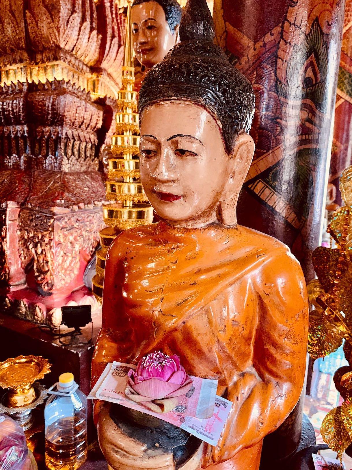 Buddhist shrine Wat Phnom.