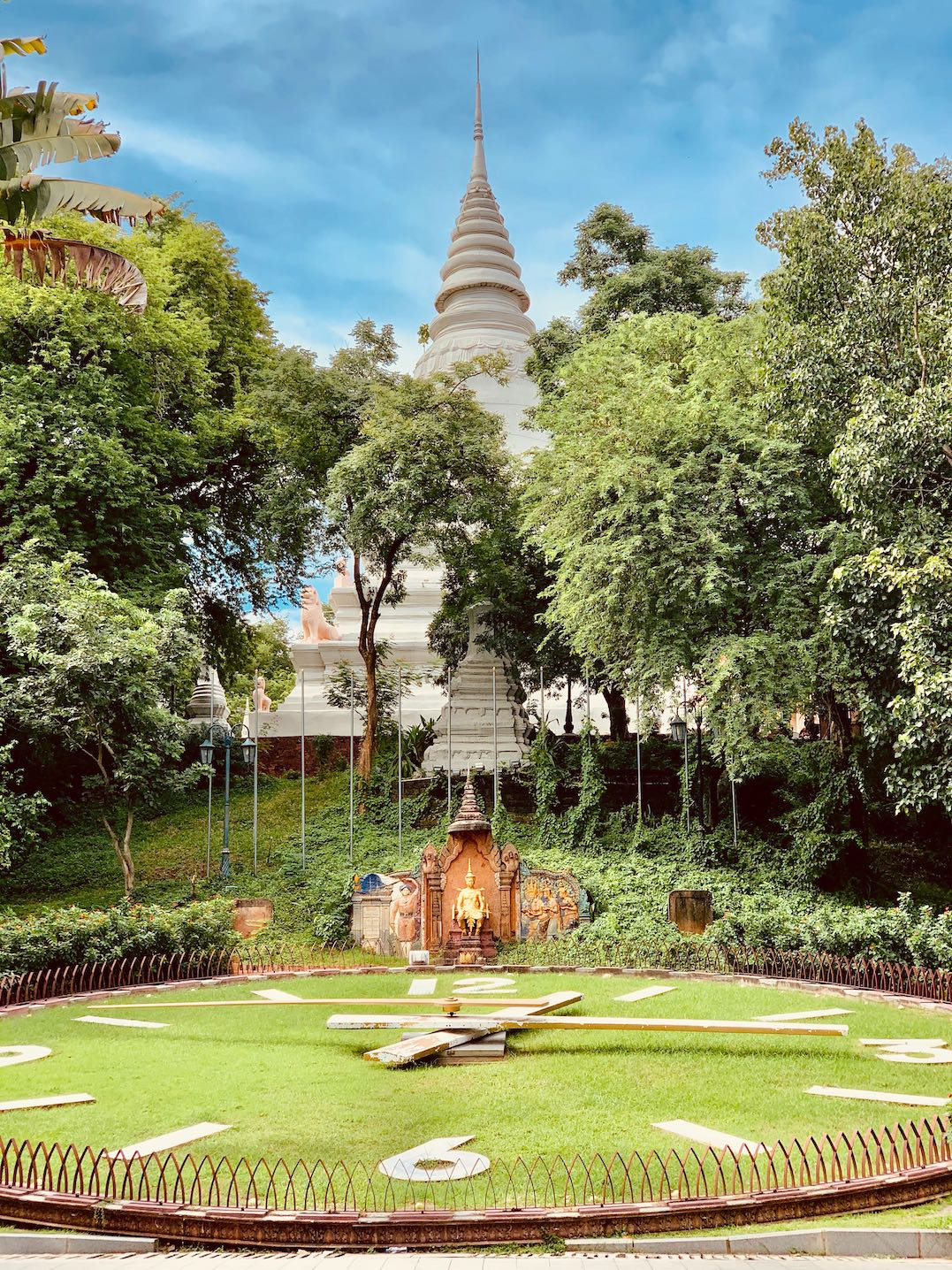 giant clock Phnom Penh