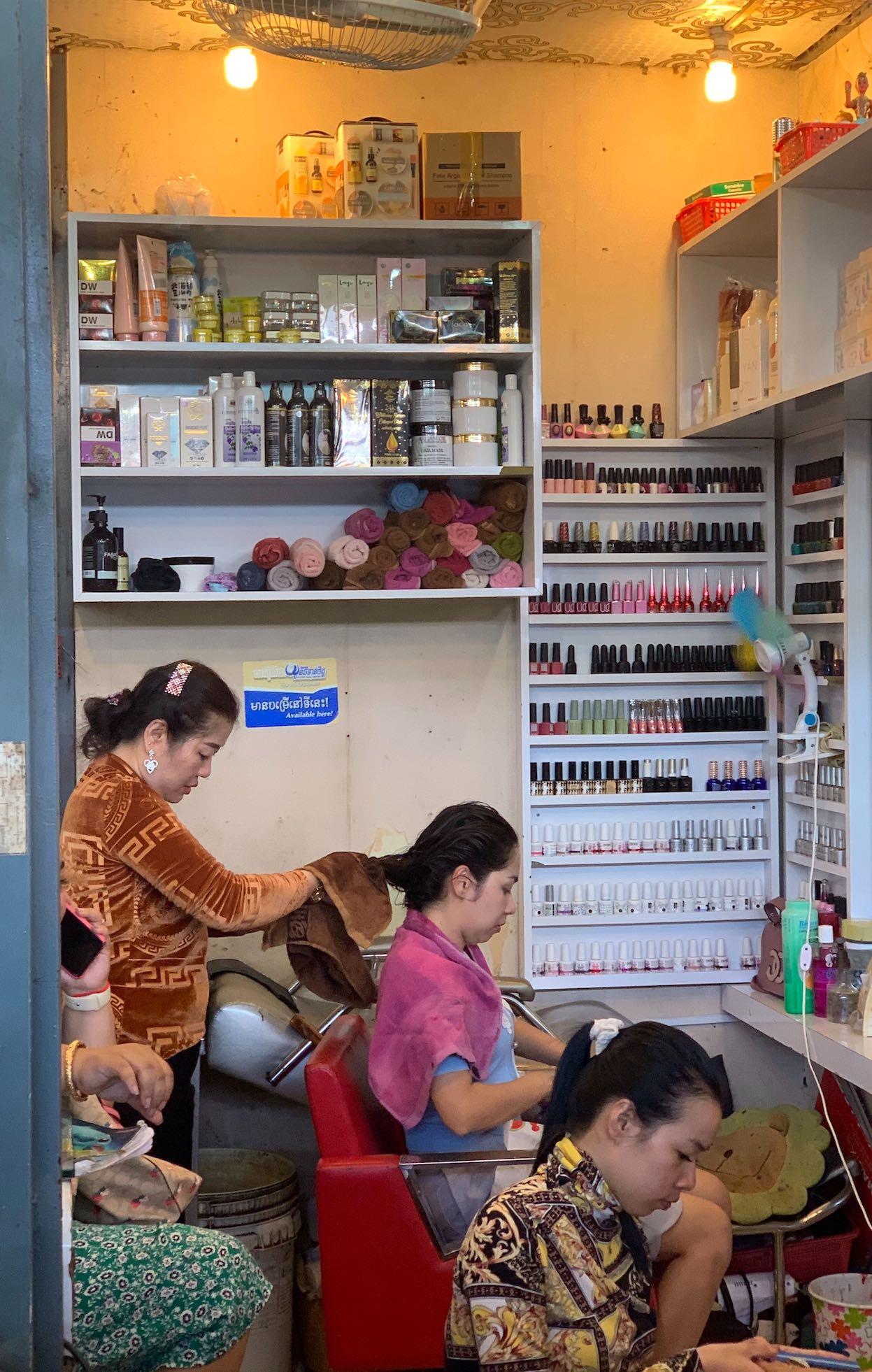 Hairdresser Phnom Penh Cambodia