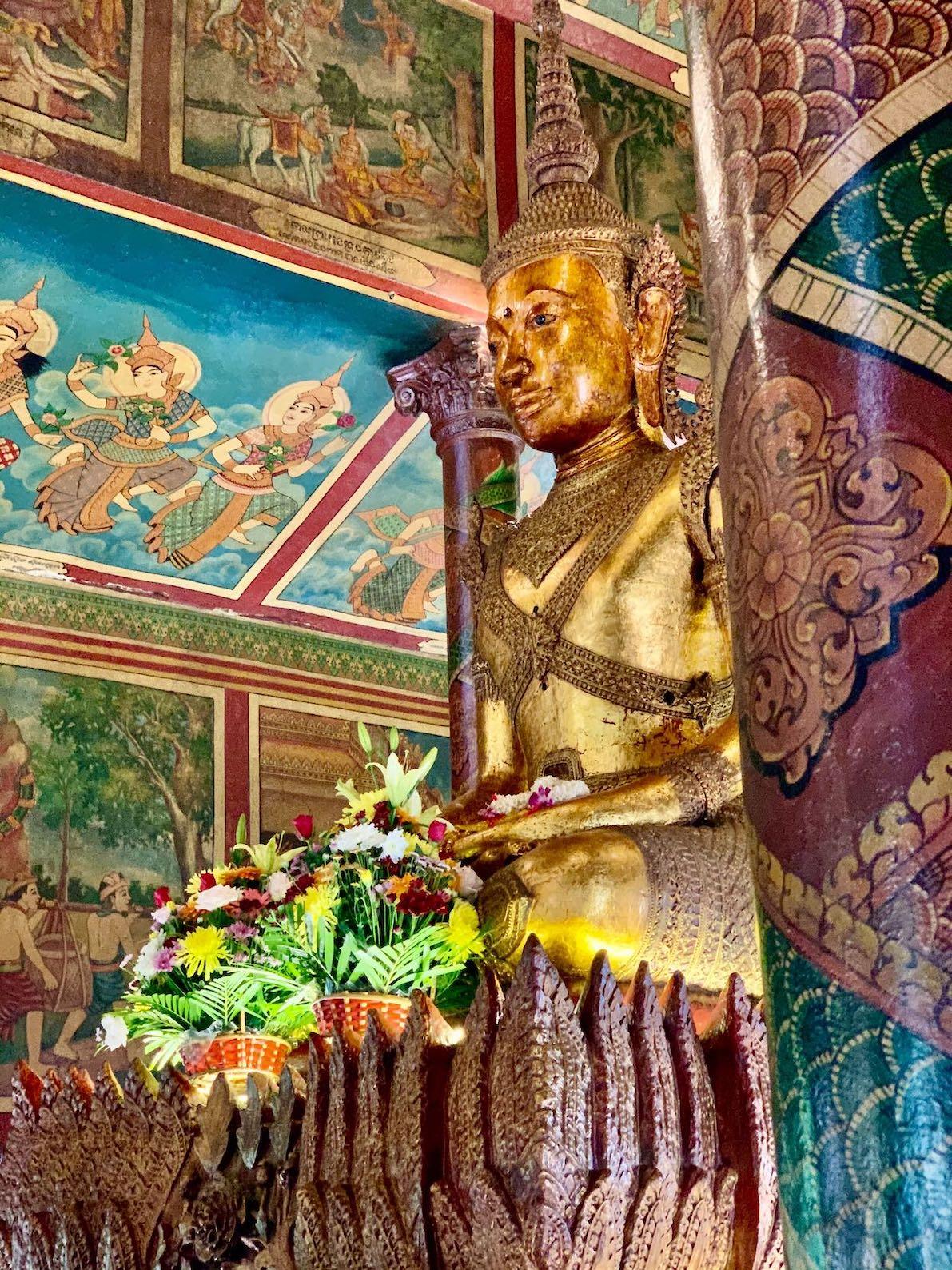 Wat Phnom Temple in Phnom Penh