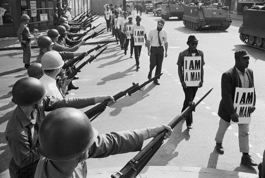 Sanitation workers March on Beale Street 1968