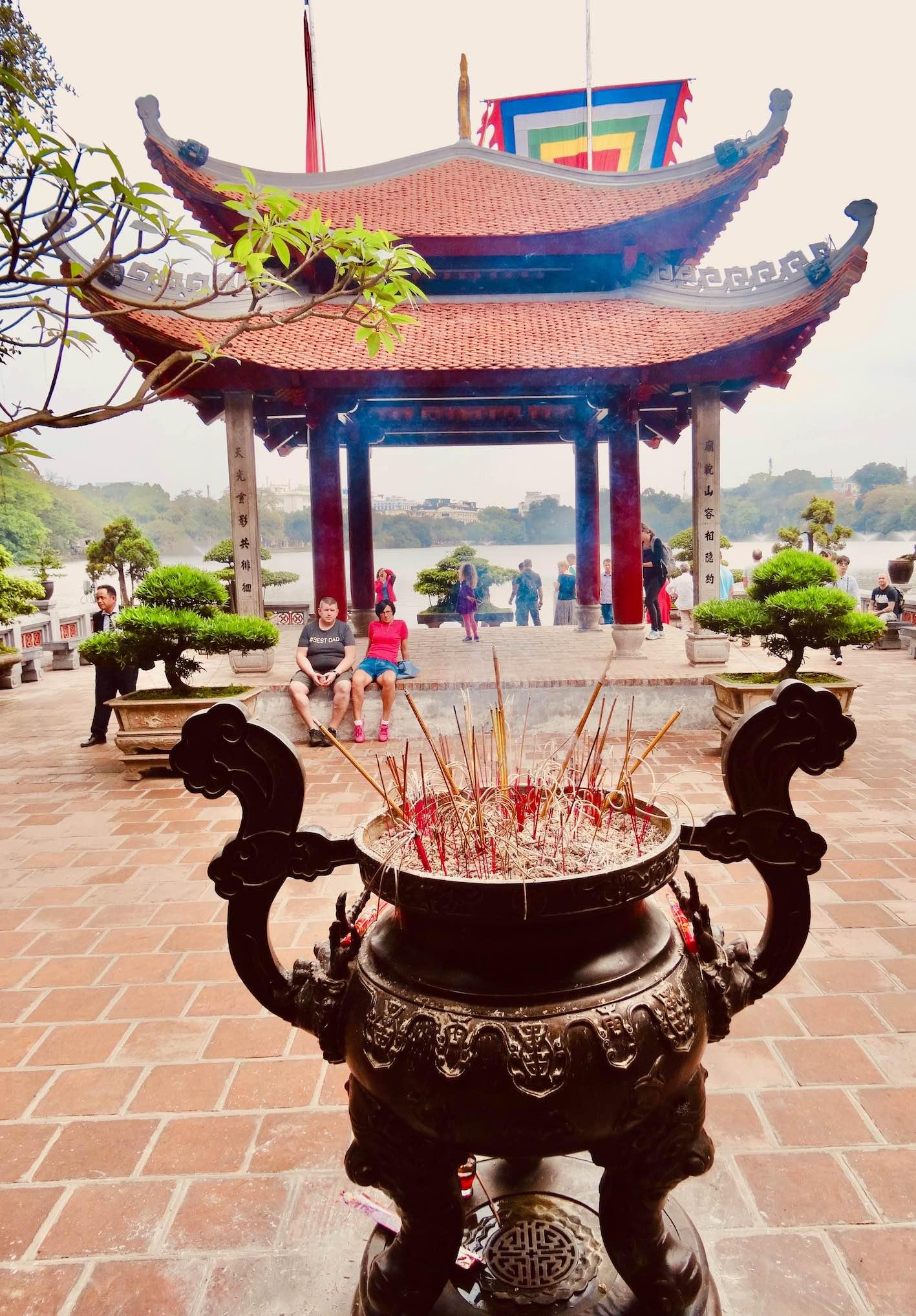 Temple Hoan Kiem Lake