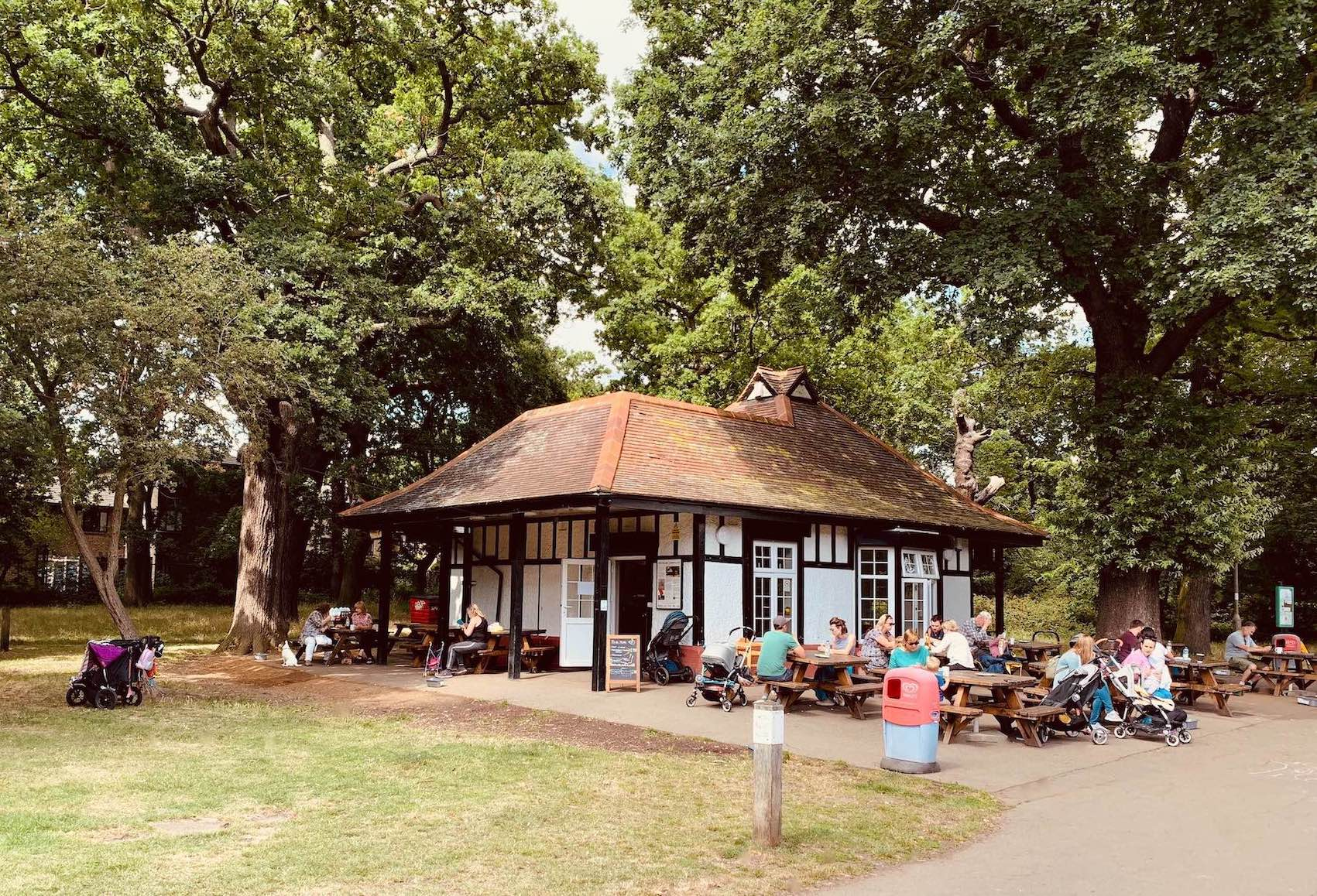 Tooting Bec Common Cafe.