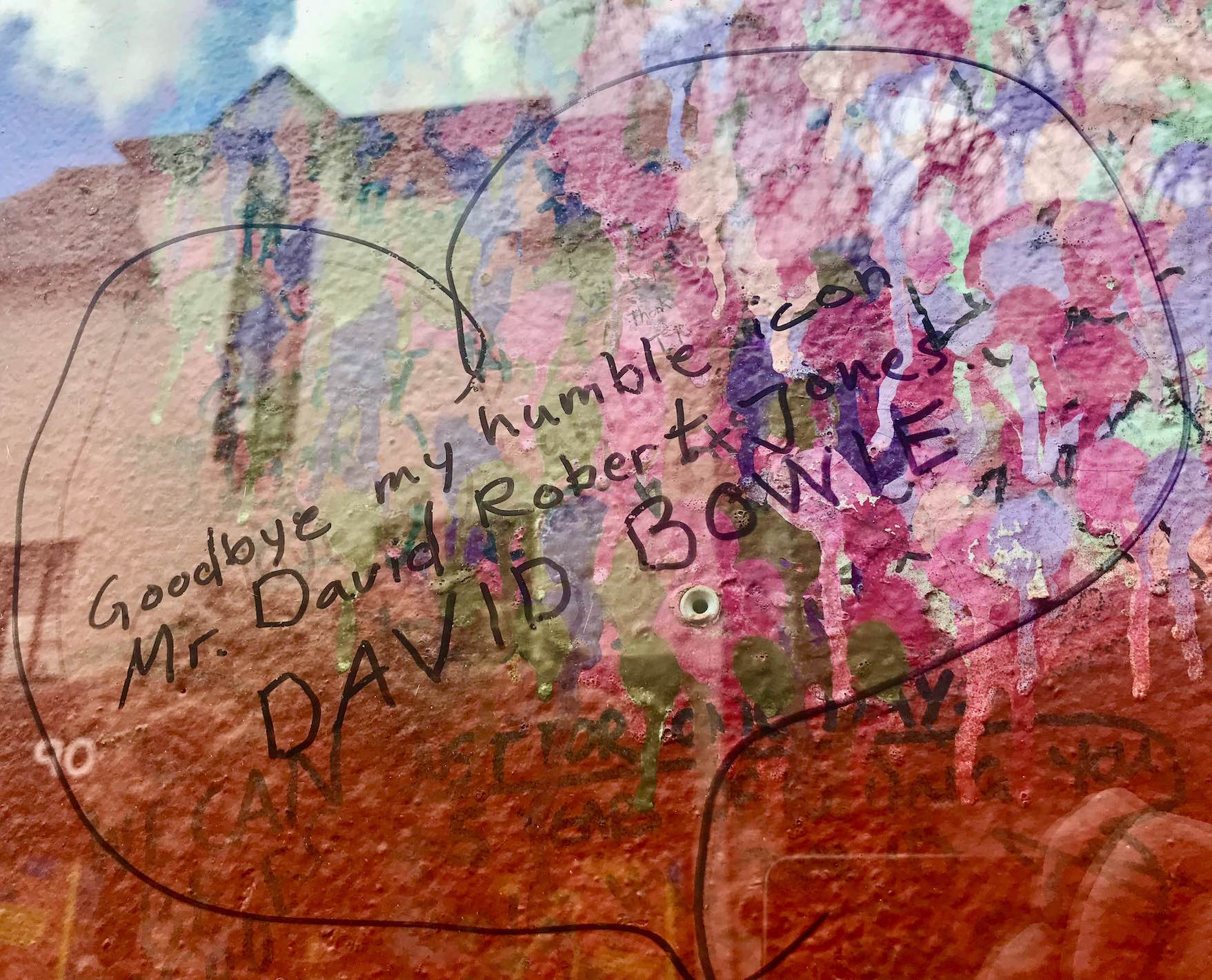 Fan tributes on The David Bowie Mural