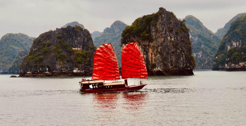 Halong Bay cruise Vietnam.