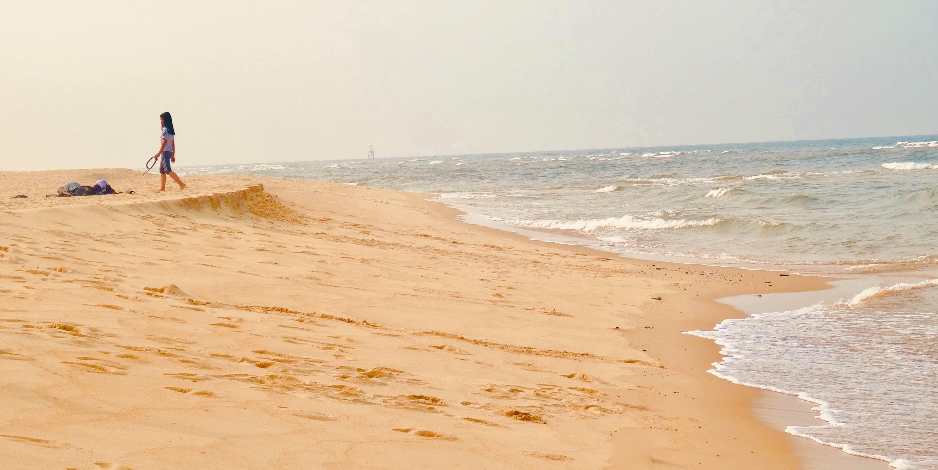 Nhat Le Beach.
