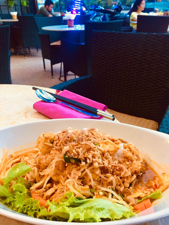 Nom Ga dinner Green Mango Restaurant Cat Ba Island